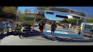 Jonglerende Amerikaan loopt marathon achterwaarts