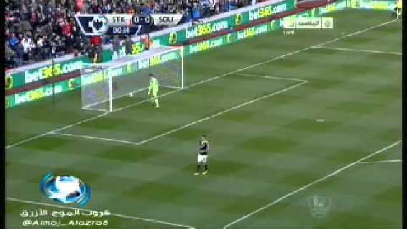 Stoke-goalie scoort vanuit eigen baklijn