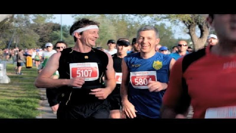 ASICS eert marathonlopers