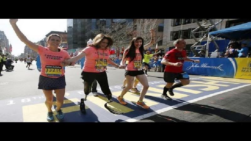 Slachtoffer Boston Marathon finisht op prothesen