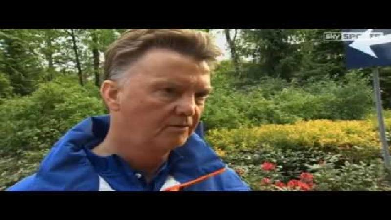 Van Gaal spot met Britse journalist: 'That's a stupid question'