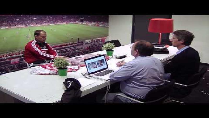 Ajax verrast coach en spelers met nieuwe uitrustingen