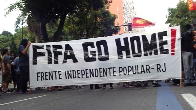 Rellen ontsieren voetbalfeest in Rio