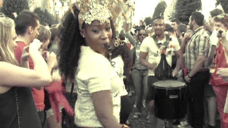 Leuvense Oude Markt bouwt Braziliaans feestje