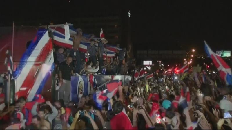 Costa-Ricanen als helden onthaald