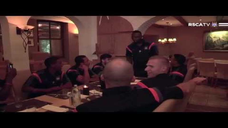 Zingende Kudimbana zorgt voor sfeer bij Anderlecht