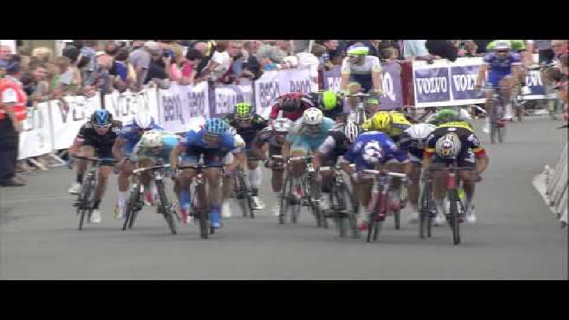 Watch the last hectometers of stage 4