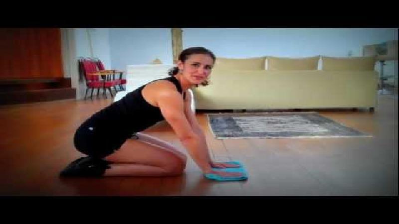 Poetsvrouw is Nederlands nieuwste fitnessgoeroe