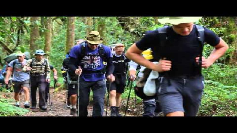 Sagan ziet af op de Kilimanjaro