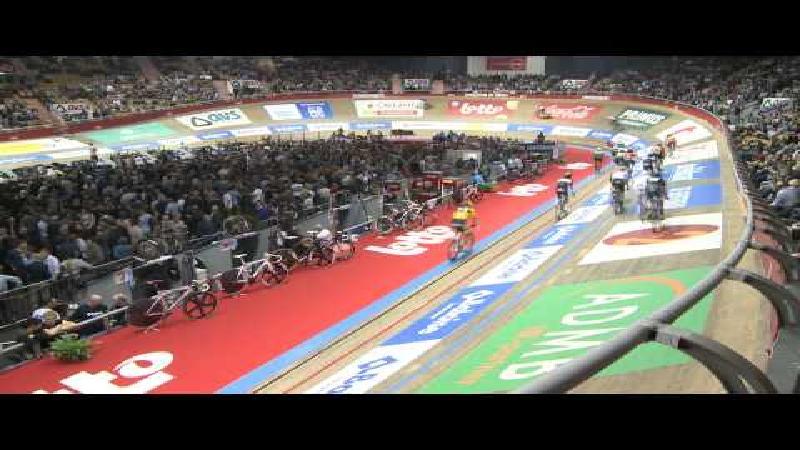 Italiaanse wielerlegende Felice Gimondi geeft startschot