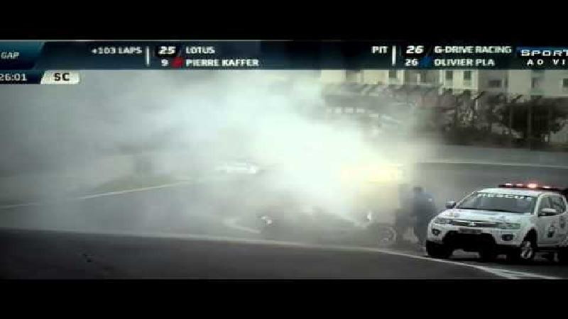 Webber ongedeerd na spectaculaire crash (+VIDEO)