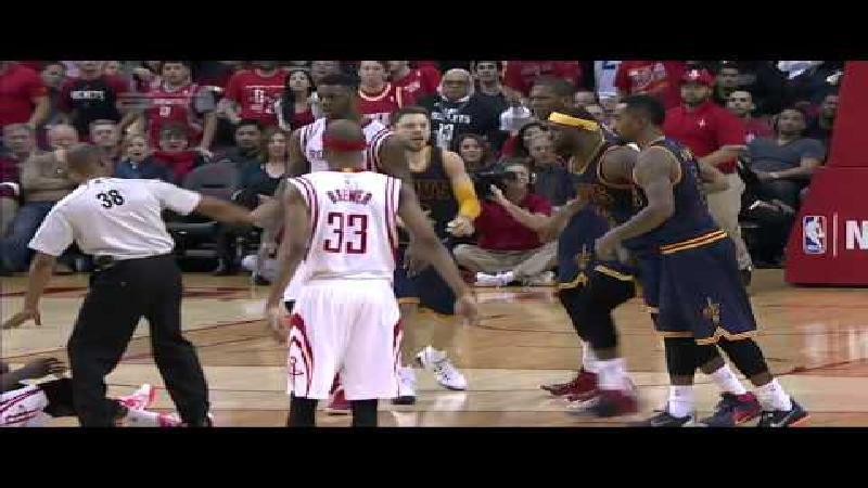 Harden krijgt schorsing voor trap in klokkenspel LeBron James (VIDEO)
