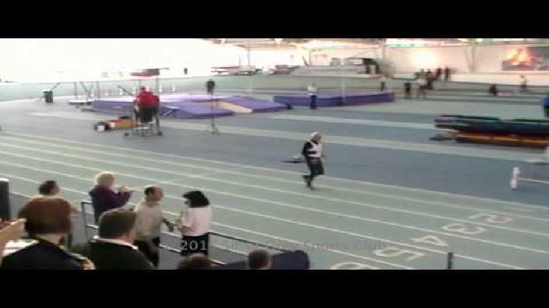 95-jarige loopt wereldrecord (VIDEO)