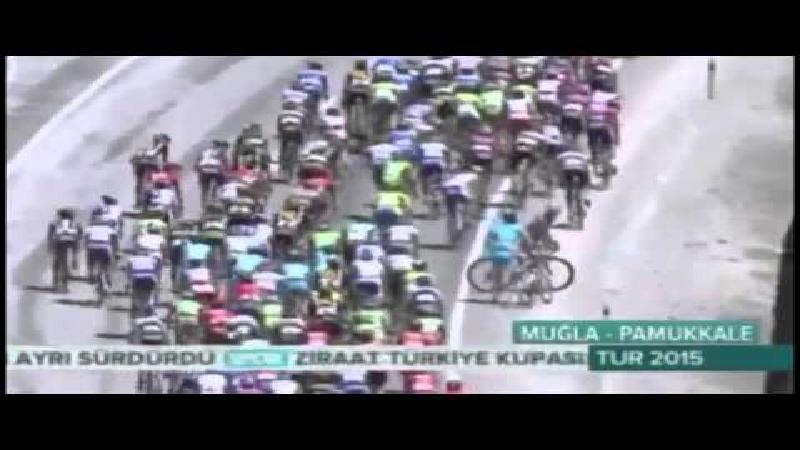 Vechtersbaas uit koers gezet in Turkije (VIDEO)