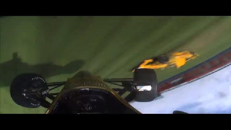 Spectaculaire crash in IndyCar (VIDEO)