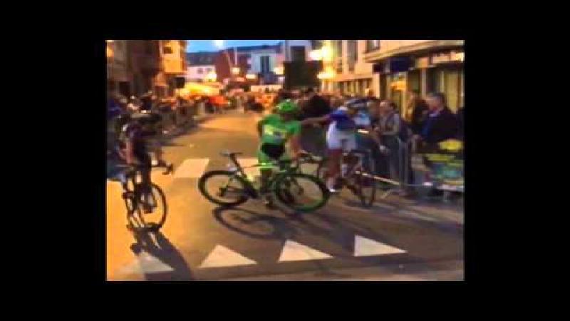 Wheelie van Sagan loopt fout af in Aalst (VIDEO)