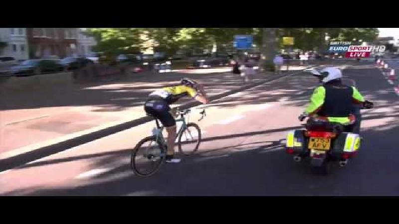 Ook Vanmarcke krijgt het aan de stok met motard (VIDEO)
