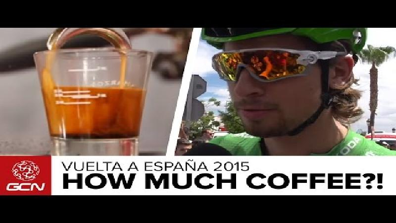 Hoeveel koffie drinken profrenners? (VIDEO)