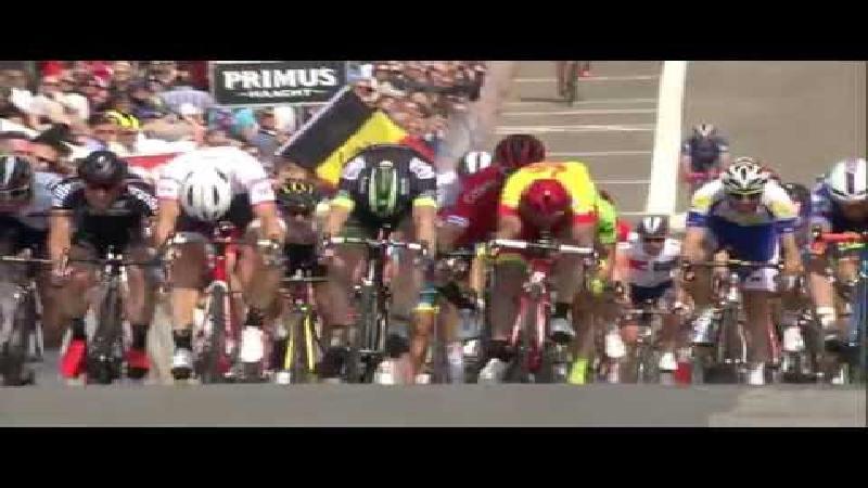 Theuns sprint naar de zege in Knokke-Heist