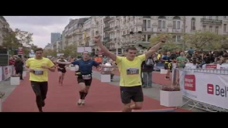 Kering wint Belfius Brussels Marathon (VIDEO)