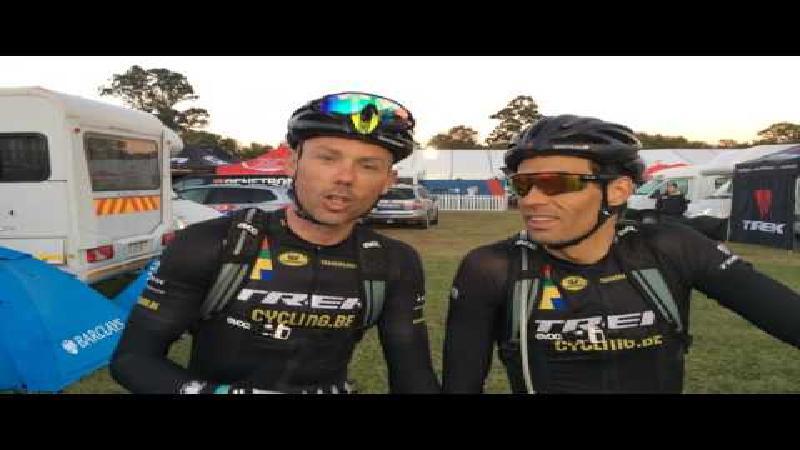 Sven en Sven in Cape Epic: 'Hopla, nog twee ritten!' (VIDEO)