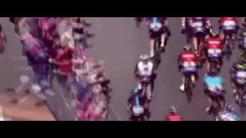 Ploegmaat Nibali uit Giro gezet na handgemeen (VIDEO)