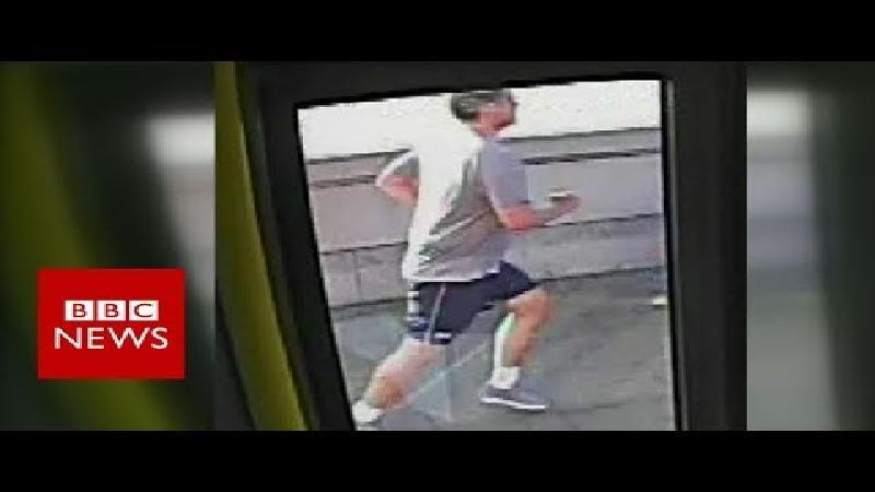 Gezocht: loper die vrouw voor bus duwde (video)