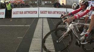 Pauwels sprint naar de zege in Hasselt