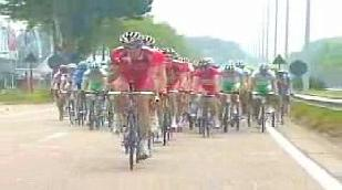 Cavendish gagne le sprint, Nuyens reste leader