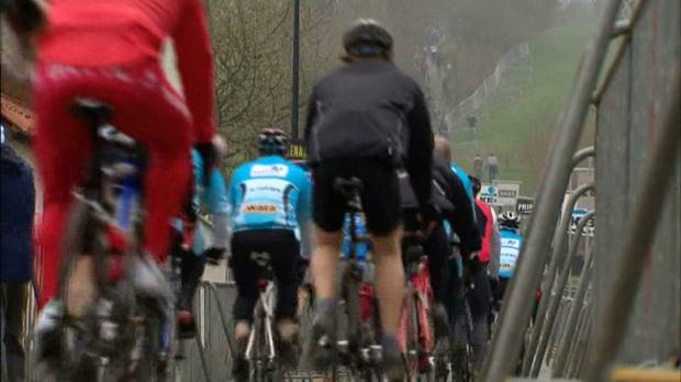 16.000 wielertoeristen en geen man meer