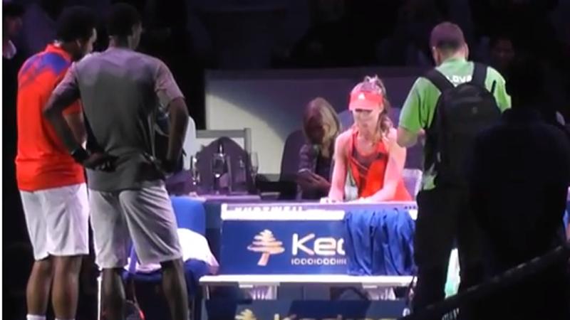 Hantuchova toont haar talent aan de piano
