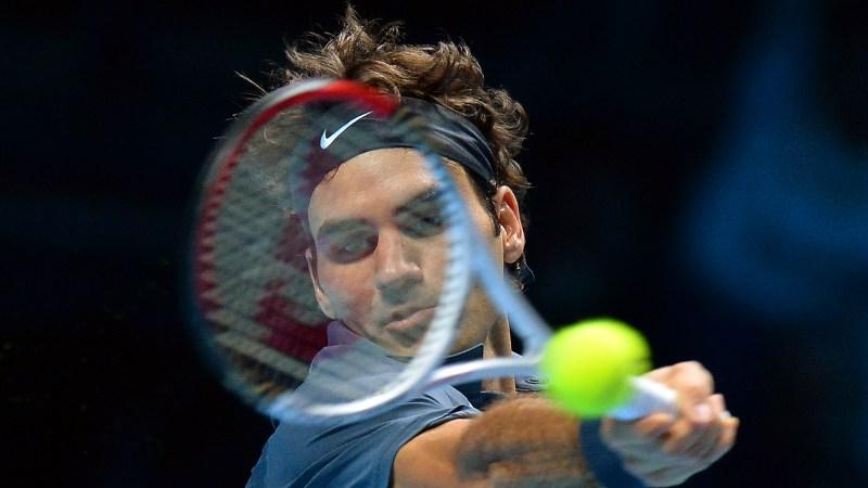 Federer nog niet uitgeteld, Djokovic naar halve finale