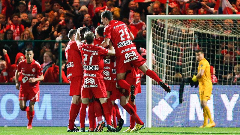 Kortrijk bezorgt Club Brugge eerste nederlaag