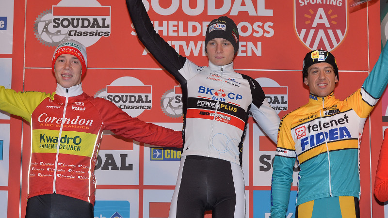 Van der Poel superieur in Scheldecross