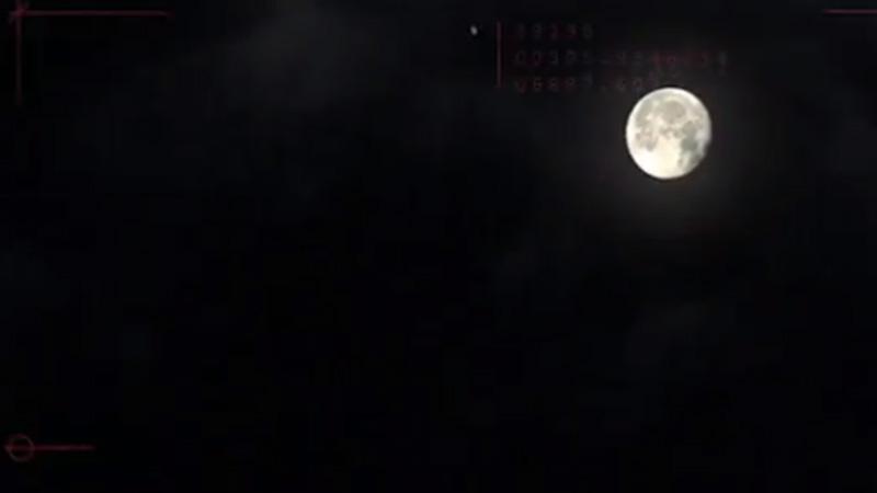 Fabregas schiet bal naar maan