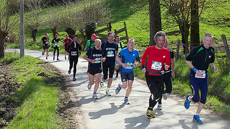 Duizenden Flandriens lopen door Vlaamse Ardennen