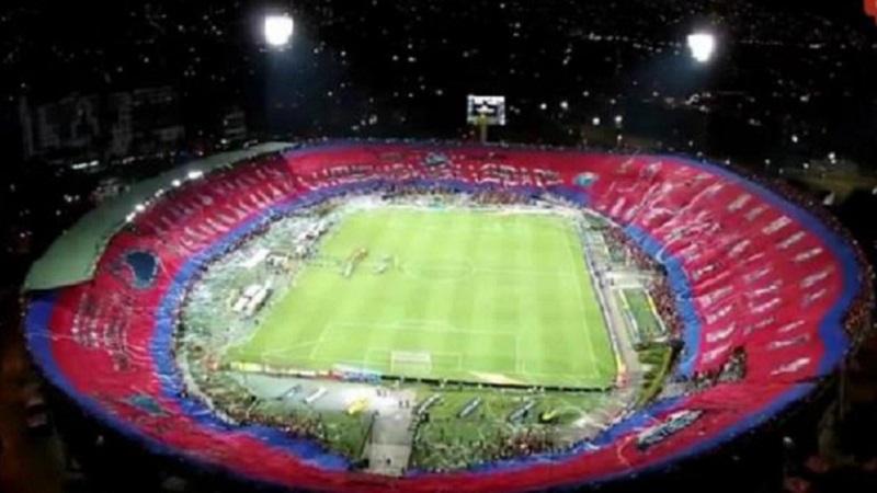 L'incroyable tifo de Medellin