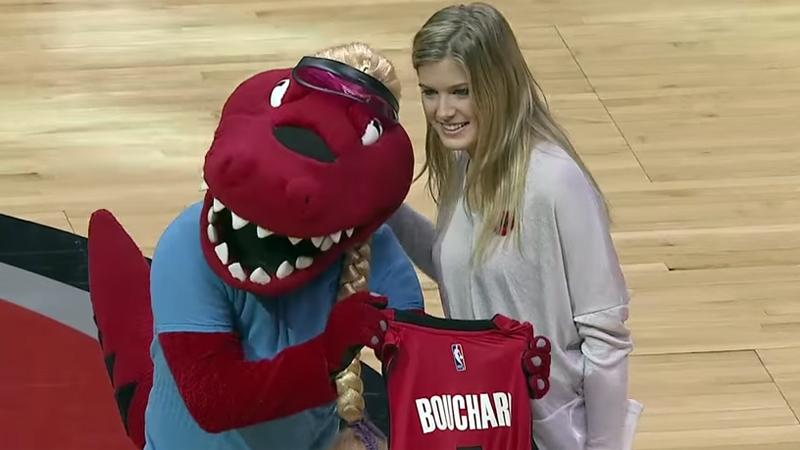Bouchard wint op hoge hakken (VIDEO)