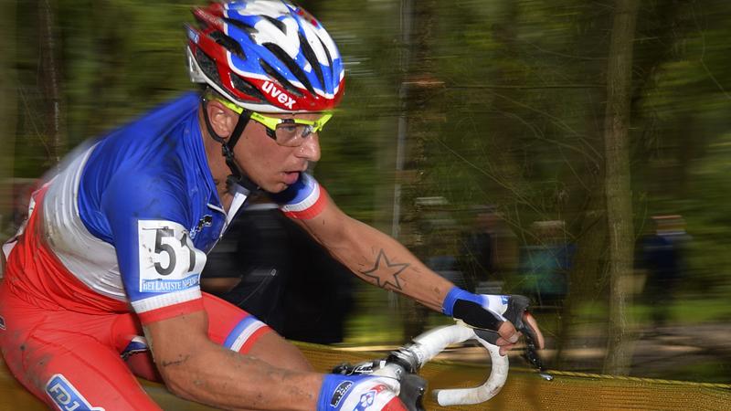 Mourey wint moddercross in Frankrijk en droomt van WK