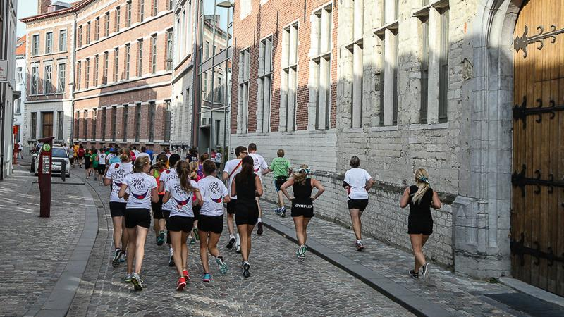 4.500 sportievelingen lopen Dwars door Mechelen