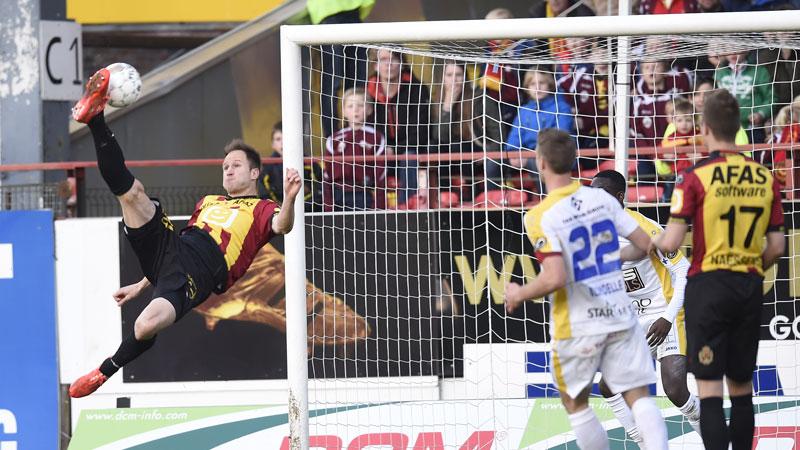 KV Mechelen wint partij eenrichtingsvoetbal
