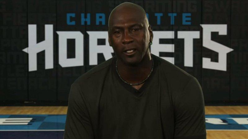 Jordan eert Bryant (maar laat hem niet winnen) + VIDEO