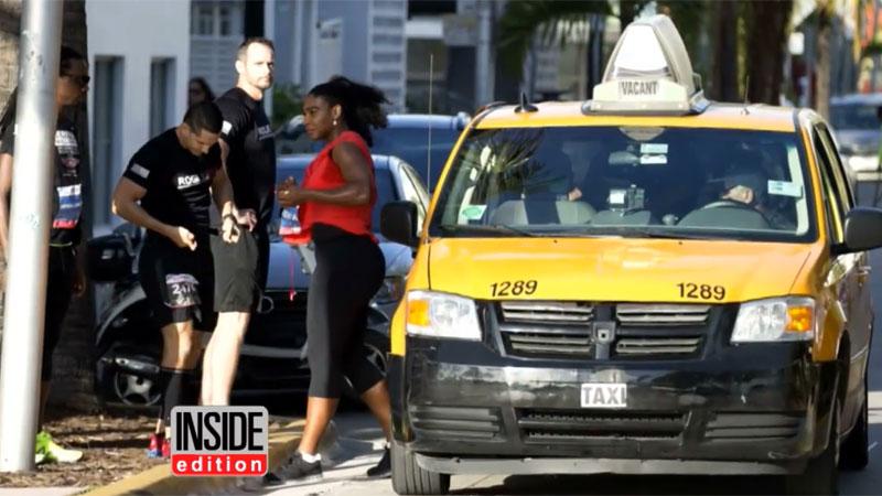 Serena Williams neemt taxi op eigen loopwedstrijd