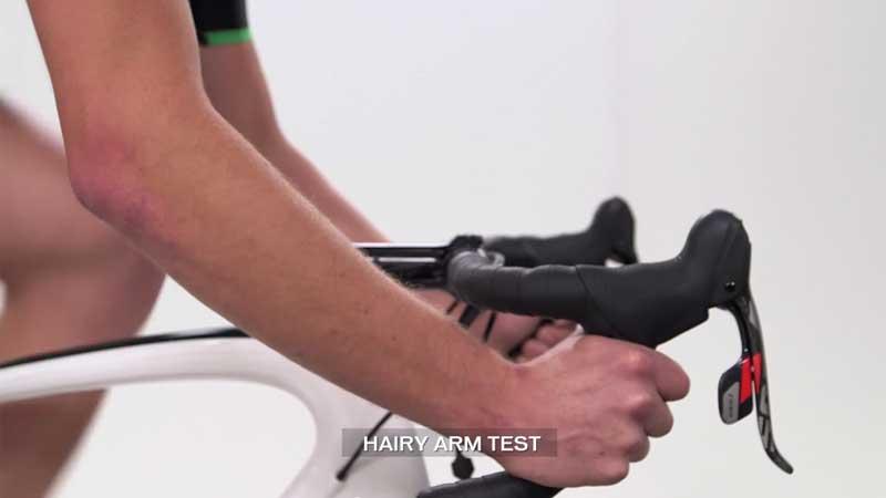 Faut-il aussi se raser les bras ? (VIDEO)