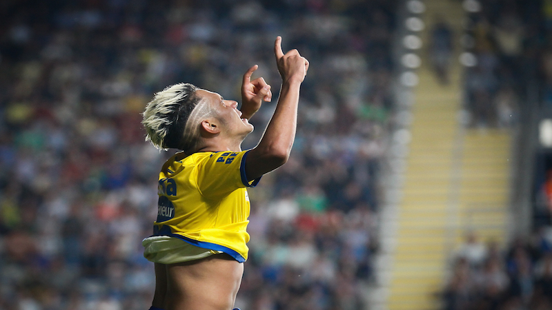 Promovendus STVV wint verrassend tegen Club Brugge