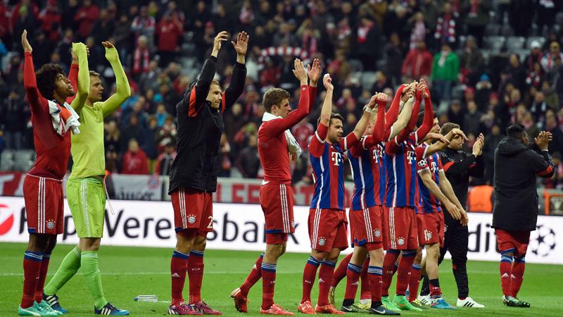 Bayern met monsterscore naar kwartfinales (VIDEO)