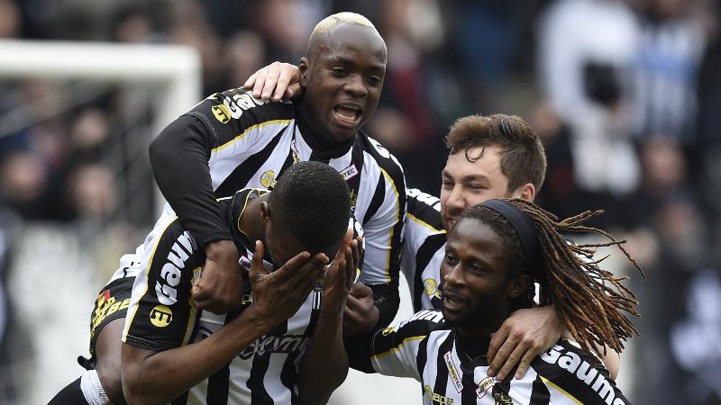 Charleroi naar Play Off 1, Moeskroen-Péruwelz gered