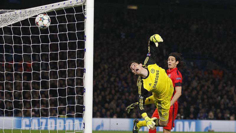 Tien Parisiens knikkeren Chelsea uit Champions League (VIDEO)