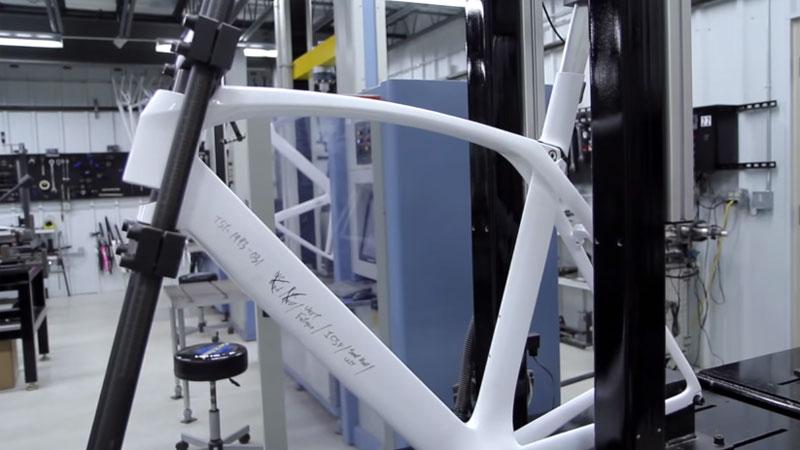 La conception du vélo aéro préféré de Cancellara et Nys (VIDEO)