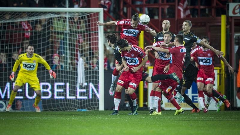 Kortrijk wint zoutloze partij tegen KV Mechelen
